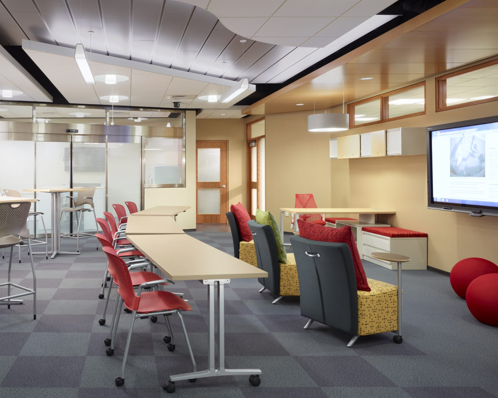 open office lounge area by office environments